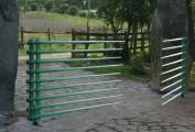 Cancello carraio ornamentale. Policromia su ferro forgiato. 2011